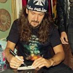 Автограф-сессия Виктора Смольского. Фото