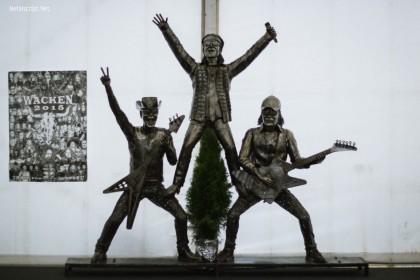 В специальном павильоне представителей СМИ встречали легендарные Scorpions.