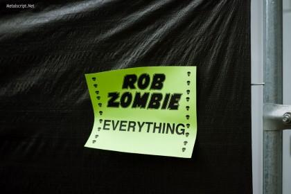 А здесь Роб Зомби делает все остальное.